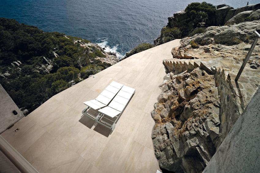 Carrelage balcon de luxe escalier exterieur pierre for Carrelage pour escalier exterieur