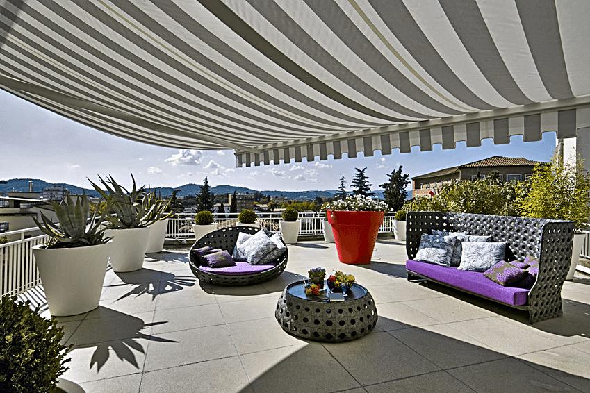 Carrelage de terrasse et terrasse exterieure en carrelage - Salle de bain exterieur ...
