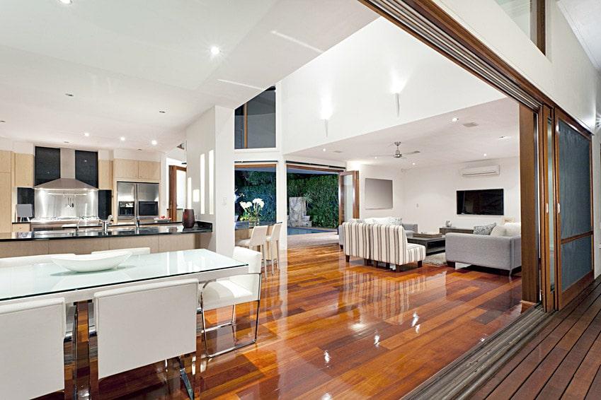 Magasin de parquets massif naturel bois et pvc interieur for Ventilation naturelle salle de bain