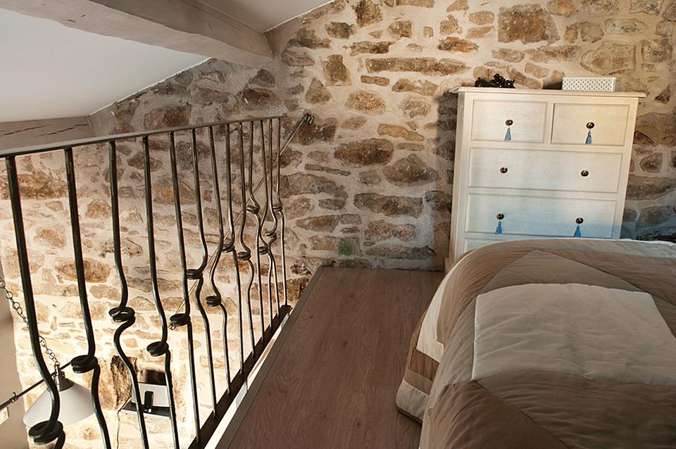 Pierre naturelle haut de gamme pour mur interieur for Salle de bain naturelle